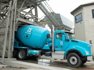 15 Rivers Maintains High Customer Satisfaction with Kenworth T880 Mixers, W990 Bulk Haulers